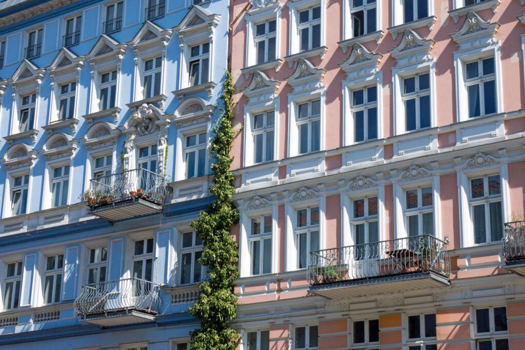 Mehrfamilienhaus Fassade